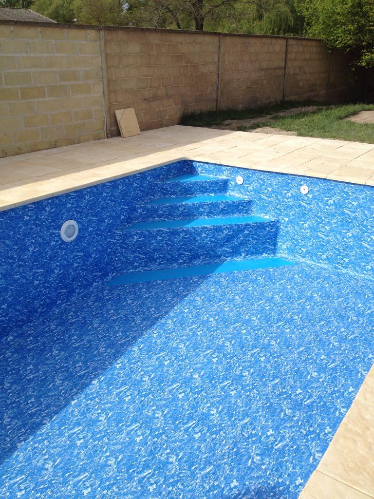 piscina cubierta escalera de obra